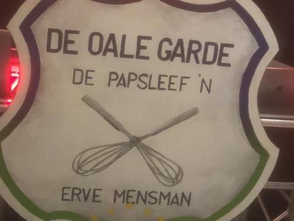 Bonte avond in residentie Erve Mensman met Oale Garde en de Papsleef'n