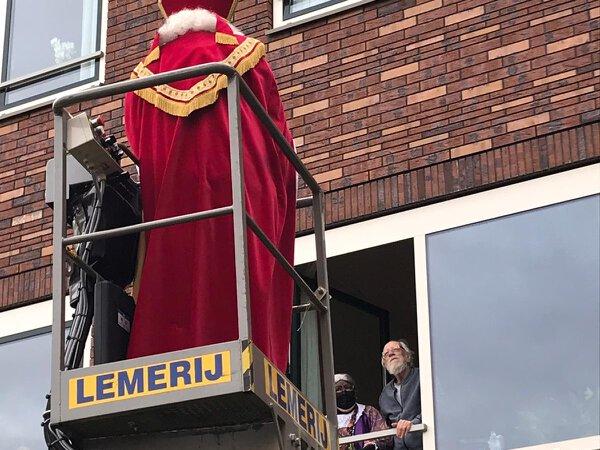 Sinterklaas in hogere sferen bij Het Borsthuis